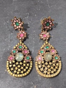 Madame Bijoux - Beautiful earrings colours