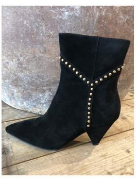 Sofie Schnoor - Boot with Y studs Gold