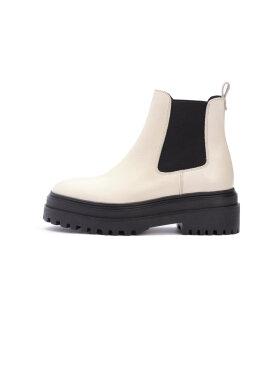 Phenumb - Cash Boots