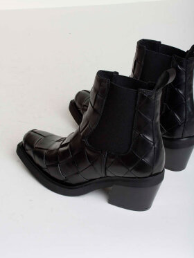 Bukela - Etna Interlace Boots