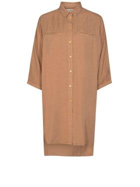 Sofie Schnoor - S213285 Shirt