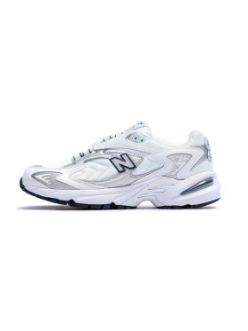 New Balance - ML725B Sneakers