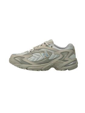 New Balance - ML725D Sneakers