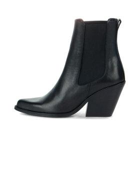 Ivylee - Phoenix Boots